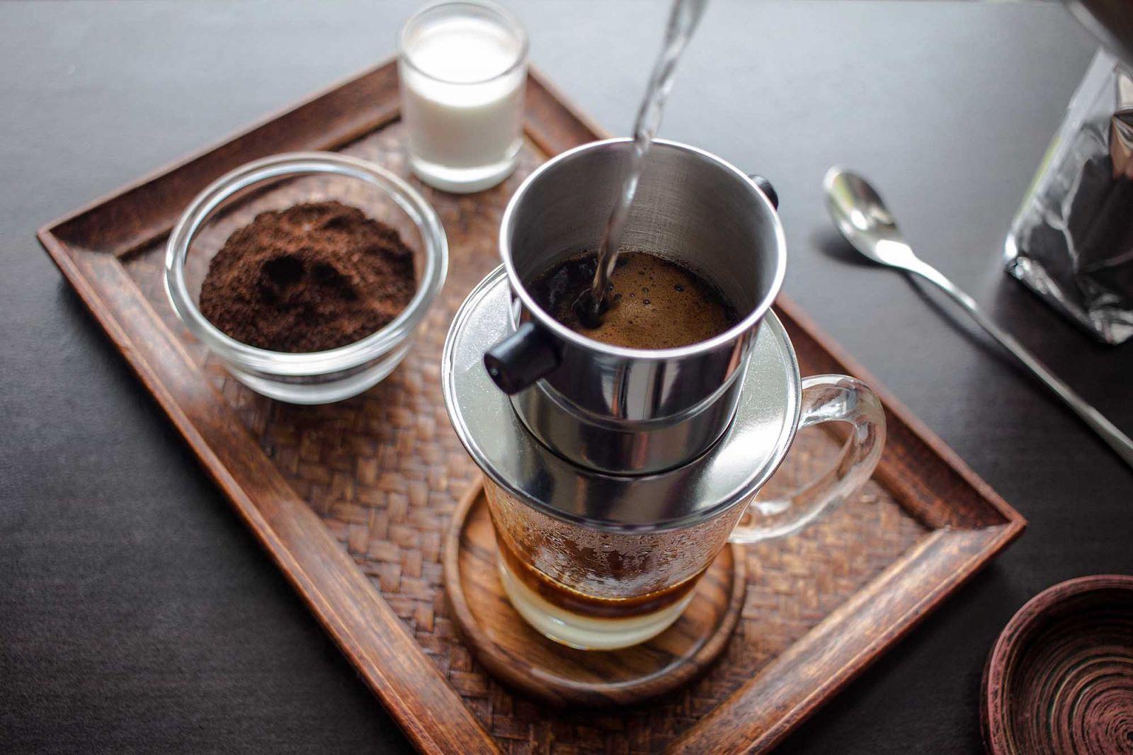 Tìm hiểu về cà phê phin sành điệu