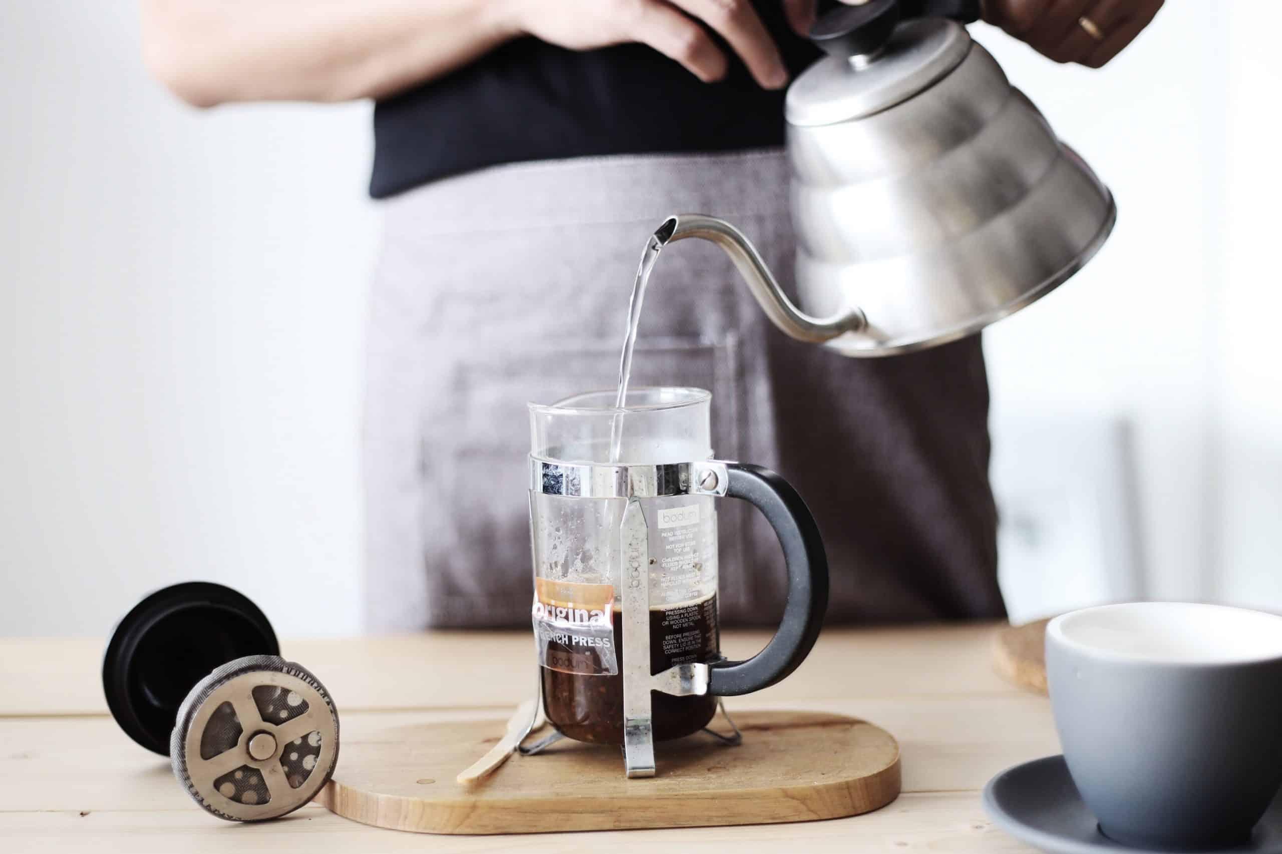 Pha cà phê bằng phin tại nhà